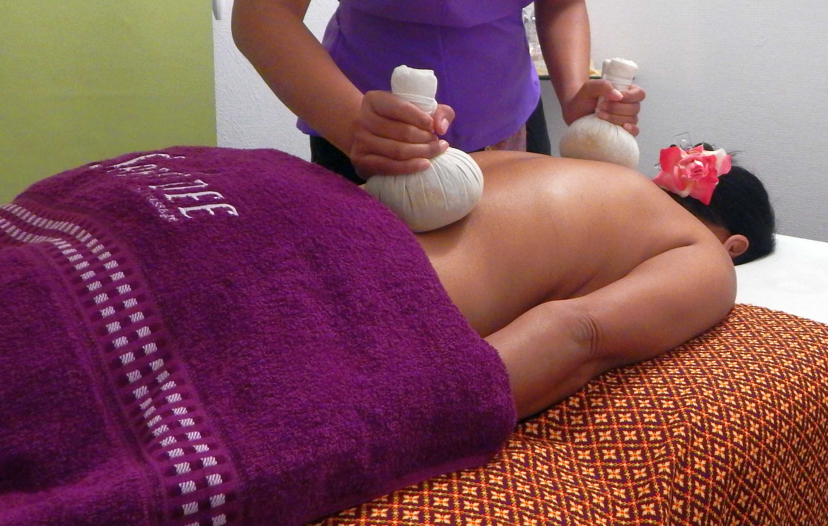 Thaimassage Herrenberg Kräuterstempel Massage
